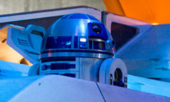 R2D2 at Star Tours