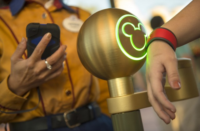 Magic Bands at Walt Disney Parks