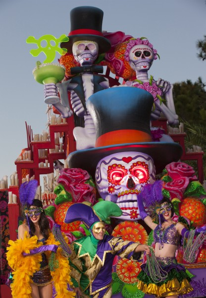 """The new """"Mexican Day of the Dead"""" float pays homage to the traditional holiday celebrated in Mexico, complete with a skeletal bride and groom, sugar skulls and a light fog trail."""