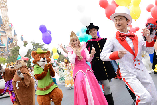 Today, it's all smiles at Tokyo Disney Resort as we celebrate a 30th anniversary and kick off a special year of happiness at the resort's parks.