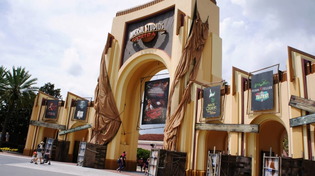 How I Survived My Very First Halloween Horror Nights at Universal Orlando