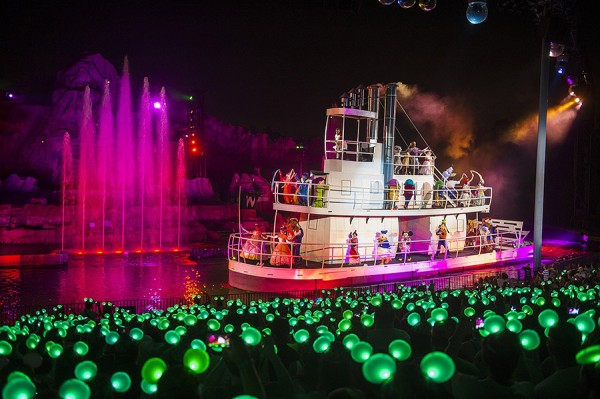 'Glow With the Show' Ears Debut at 'Fantasmic!' at Disney's Hollywood Studios