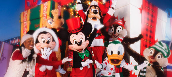 Free Disney Santa Hats Are Popping Up All Over Walt Disney World