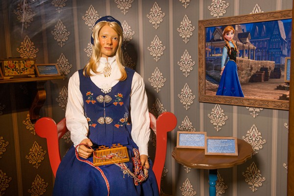 'Disney's Frozen'-Inspired Gallery Opens at Epcot at Walt Disney World Resort