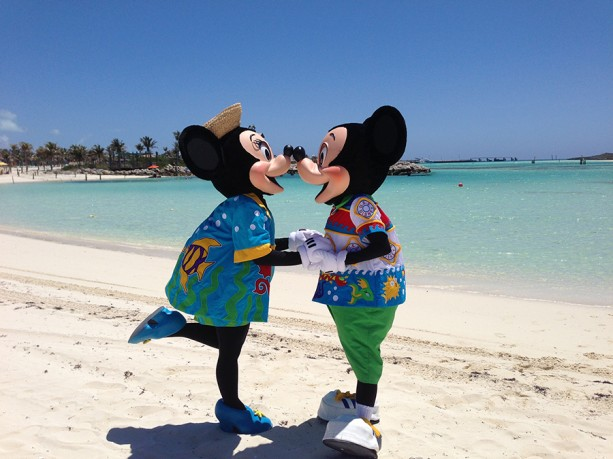 Mickey and Minnie LOVE Disney Cruise Line